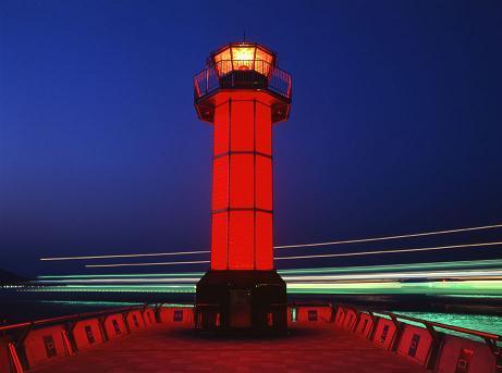 夜の赤灯台 その2.jpg